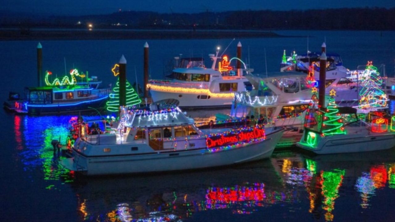 2019 Christmas Ships Parade Schedule Brings Wave of Excitement